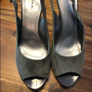 Fabulous gray suede leather platform peeptoe shoes